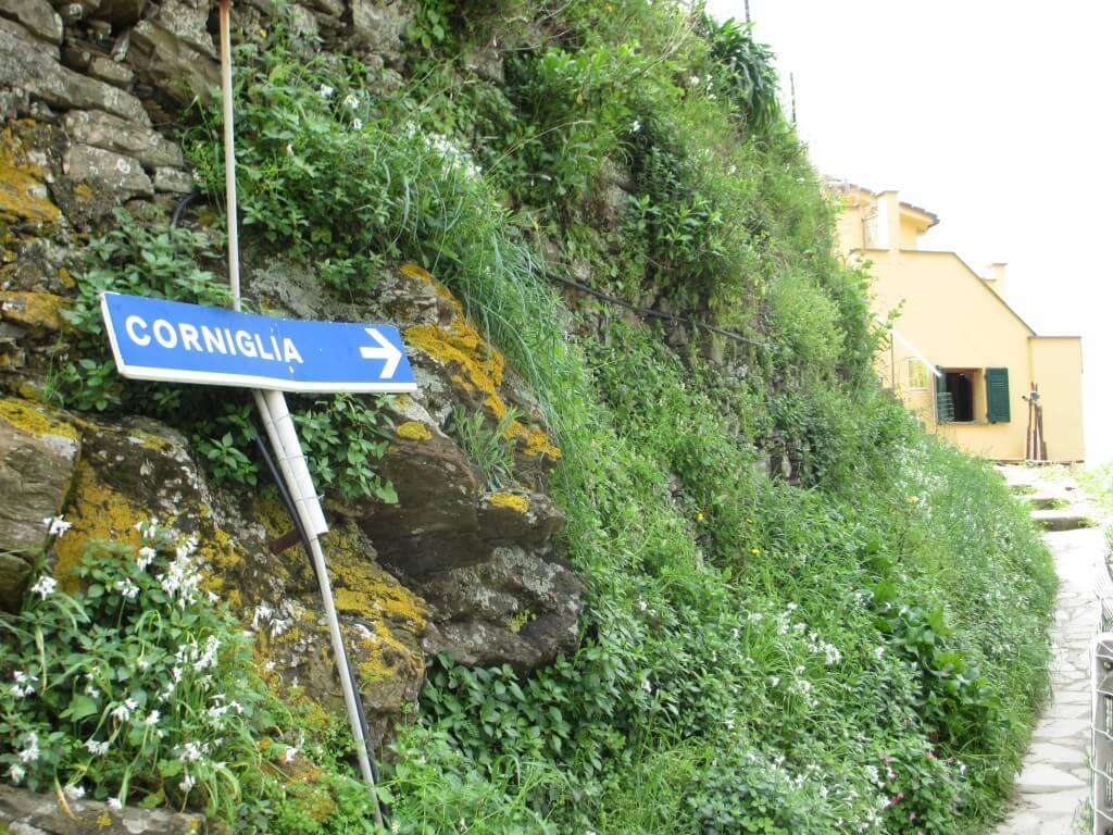 Street sign to Corniglia in the Cinque Terre