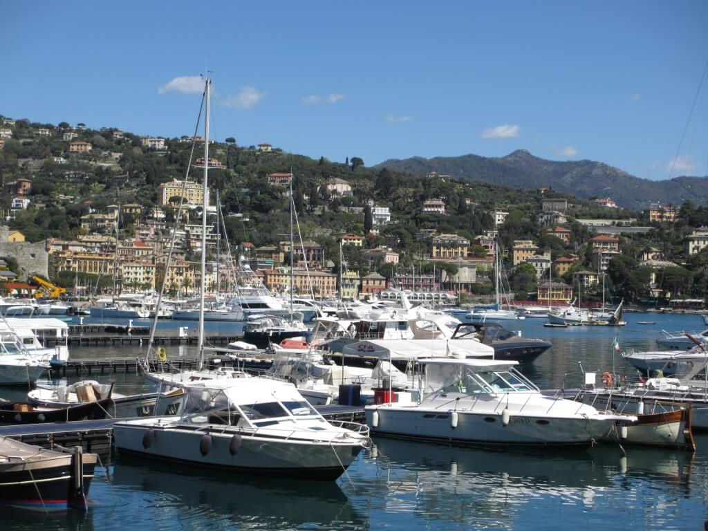 Walking to Portofino allows you also enjoy pretty Santa Margherita - Day trip Cinque Terre to Portofino