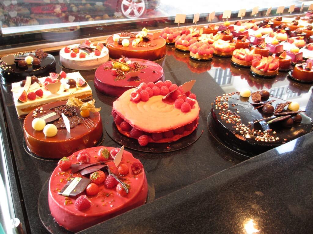 Cakes at L'Atelier d'Eric Reims France
