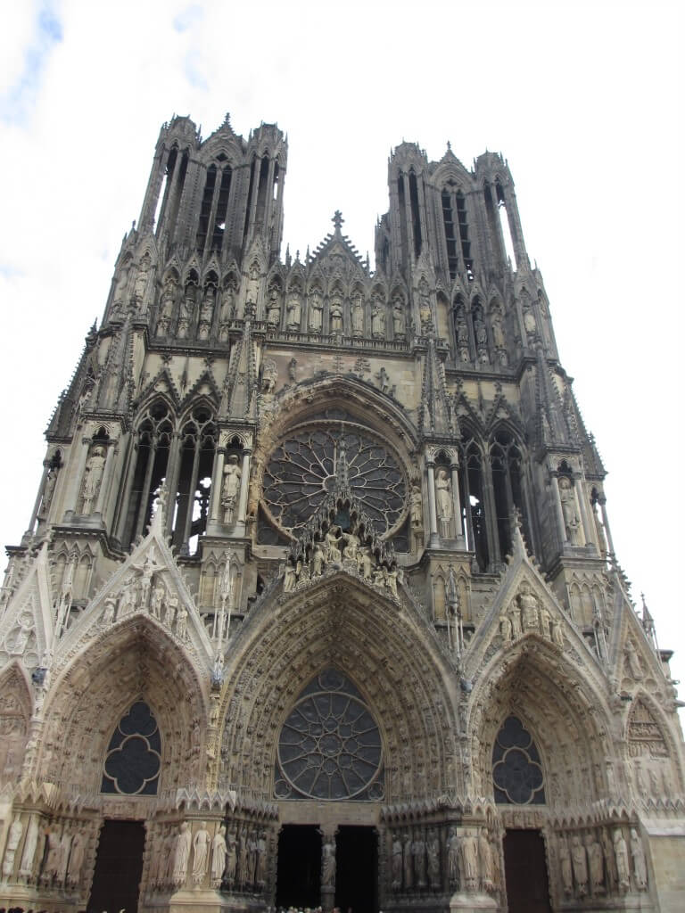 Reims Cathedral exterior, how to make a day trip to Reims