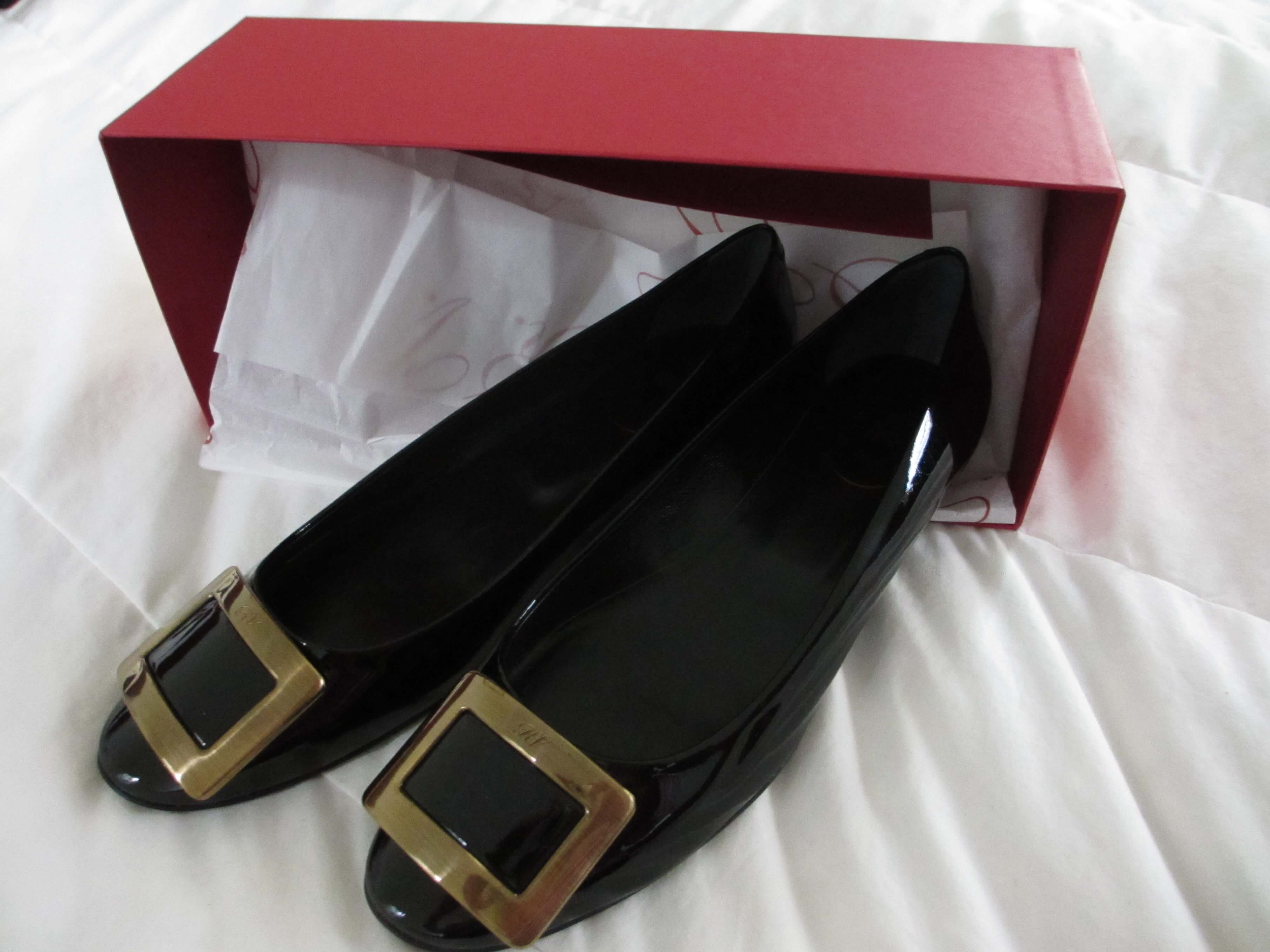 travel, travel tips, travel planning, a pair of Roger Vivier belle de jour flats with their box