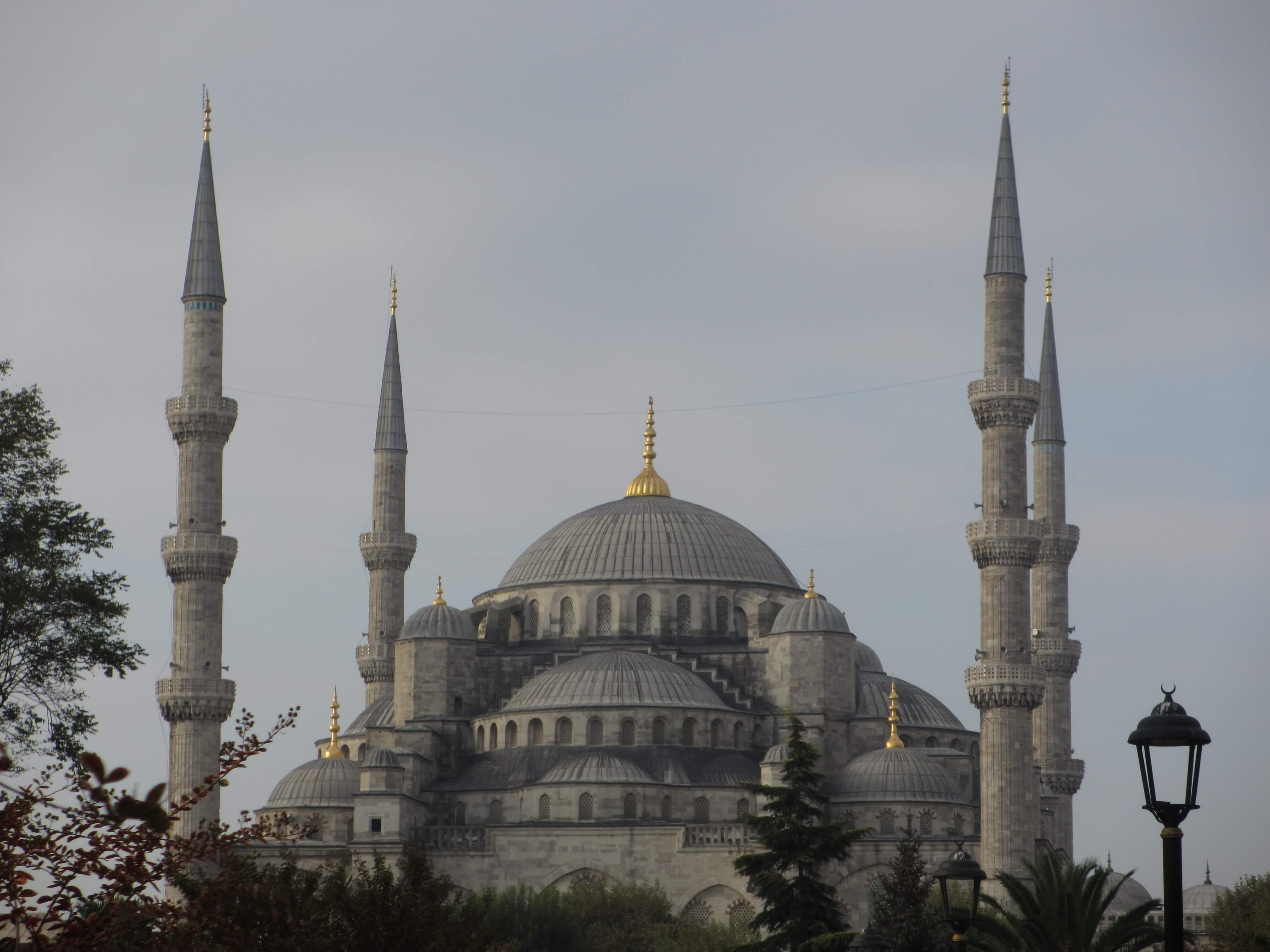 travel, travel tips, travel planning, photo of the Blue Mosque with four minarets in the day light