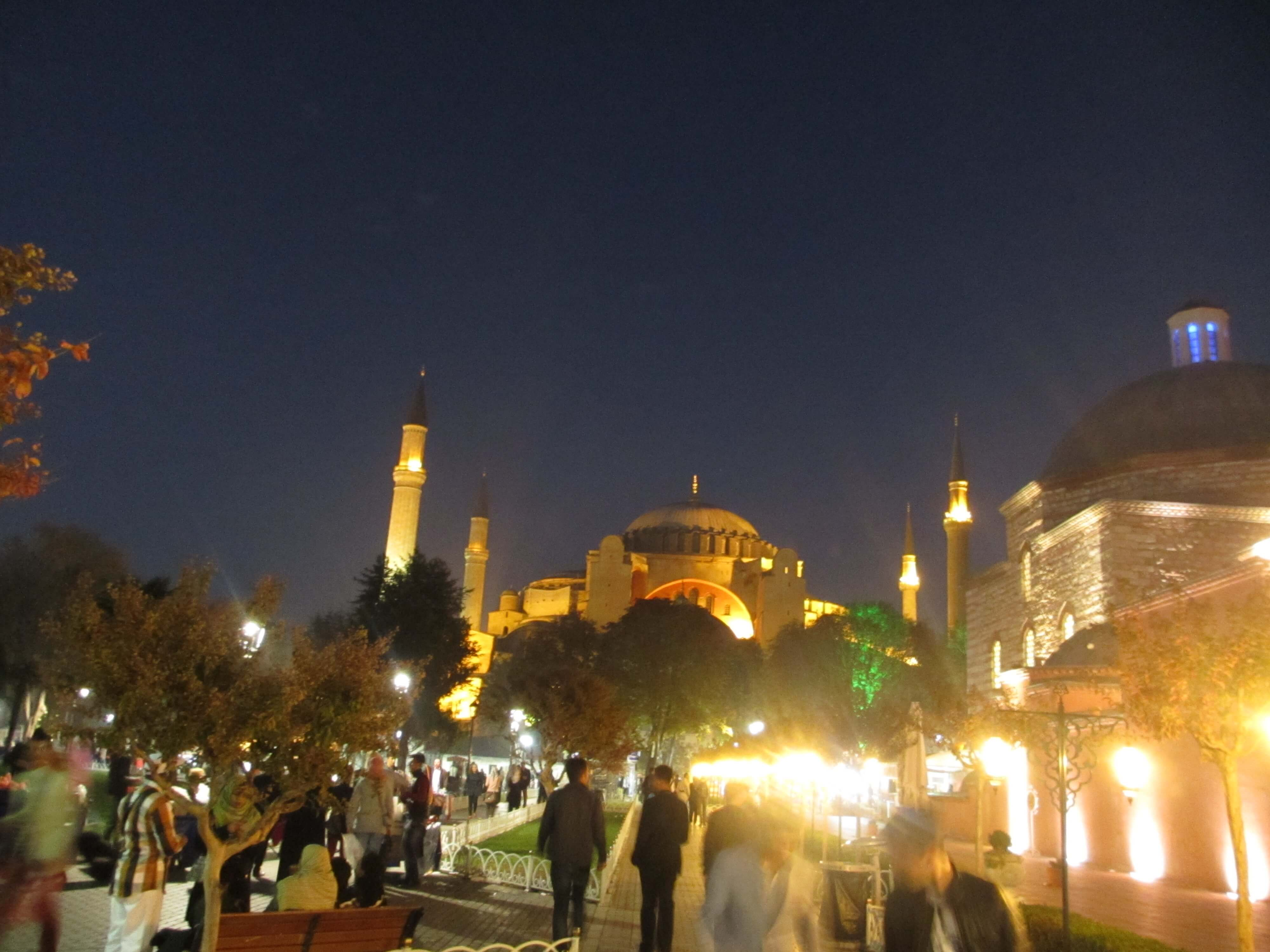 travel, travel tips, travel planning, Agia Sophia from the Hippodrome at night, Istanbul
