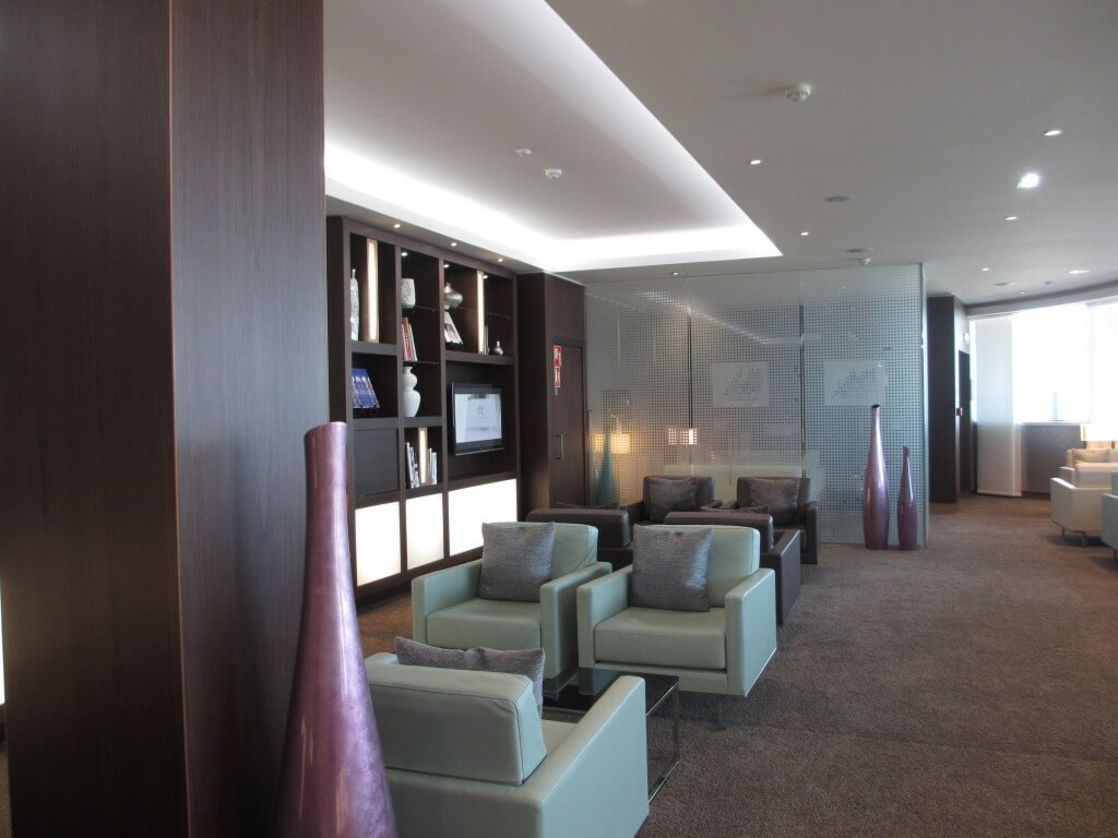 Lounge area of the Etihad lounge in Paris