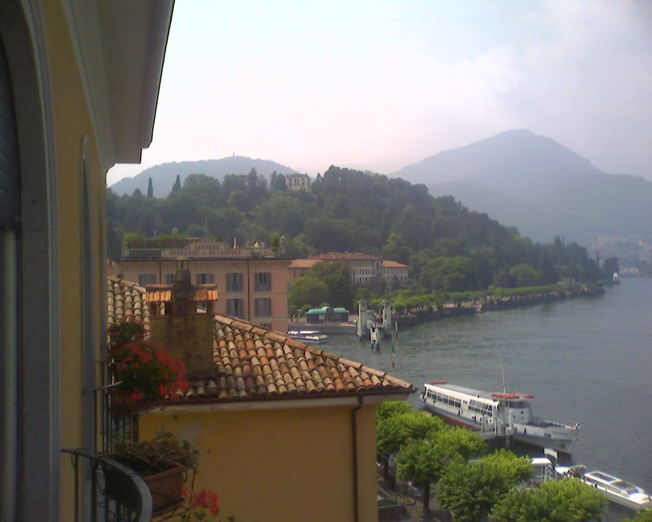 view of roof tops in Bellagio and Lake Como