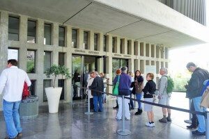 Queue at the entrance to the Acropolis Museum