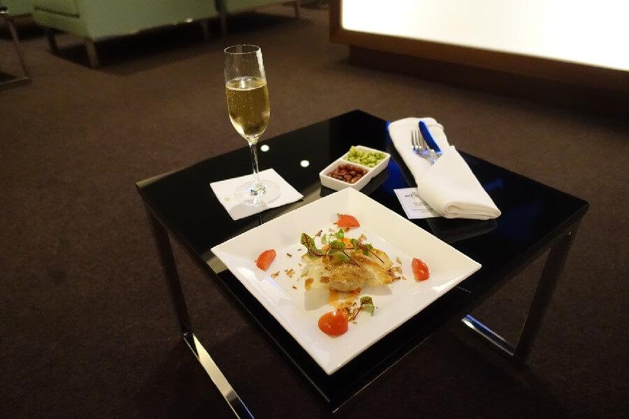 light meal on an Etihad Business Class flight