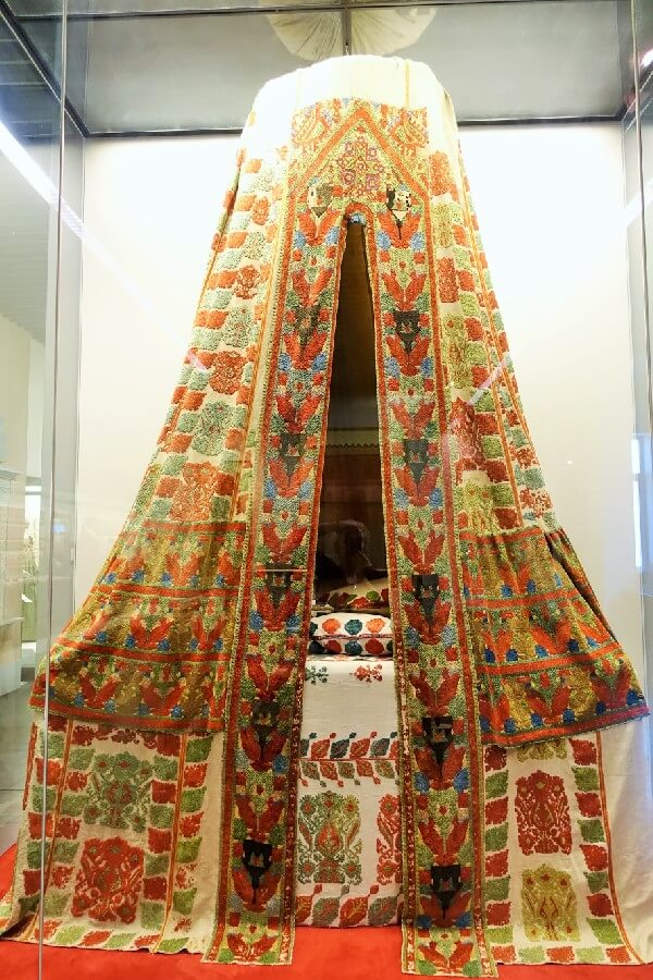 embroidered tent bed - visiting the Benaki Museum, Athens