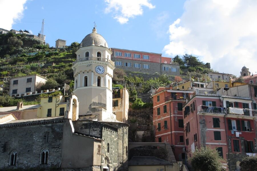 Should you stay in Portofino or Cinque Terre? frugal first class travel