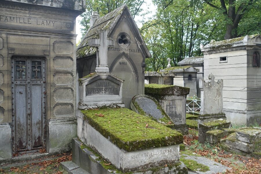 The reason you shouldn't visit Pere Lachaise