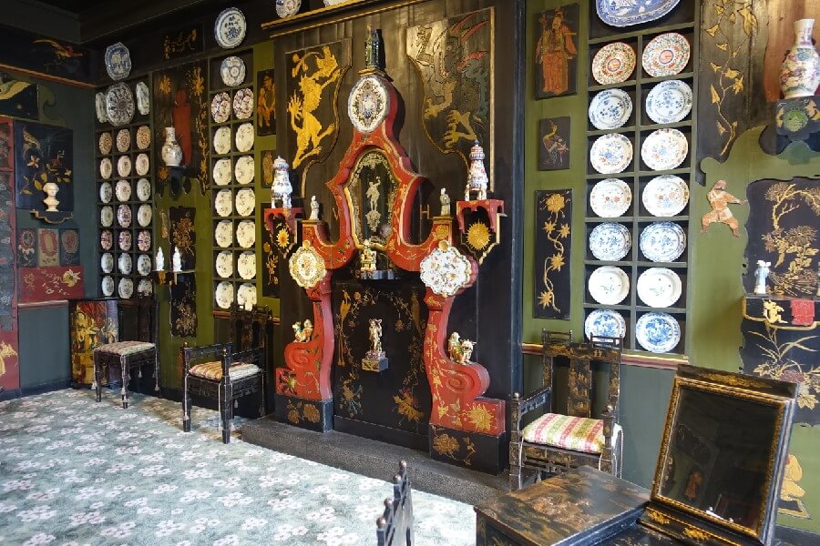 Three free museums in Paris you need to visit - sitting room of the Victor Hugo Museum