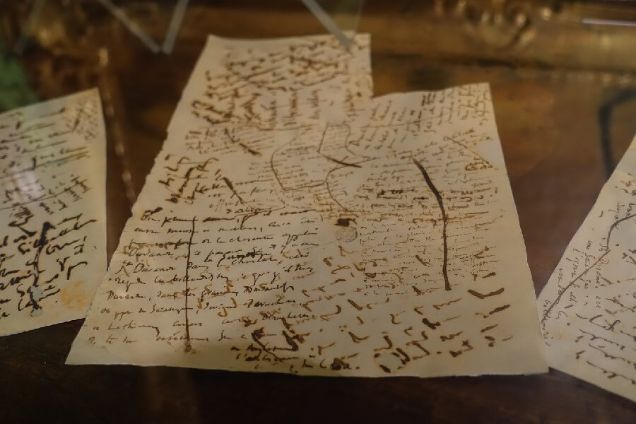 Three free museums in Paris you need to visit - Victor Hugo's notes at the Victor Hugo Museum