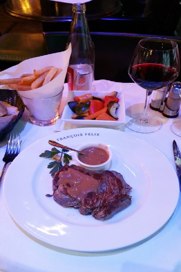 Steak au poivre in Paris Best brasserie foods in Paris