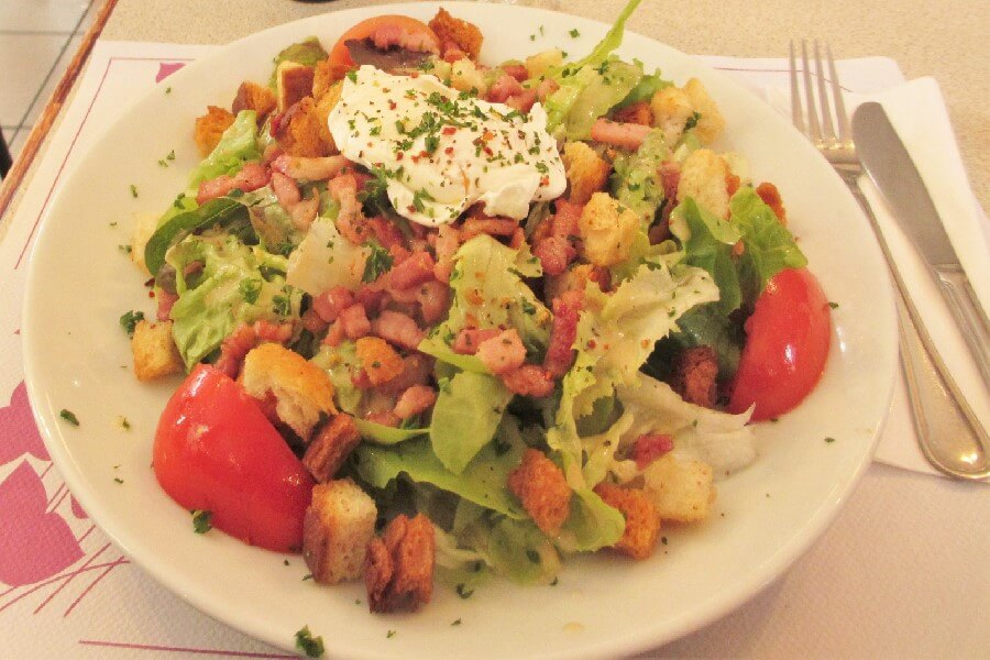 Salade Lyonnaise Best brasserie foods in Paris