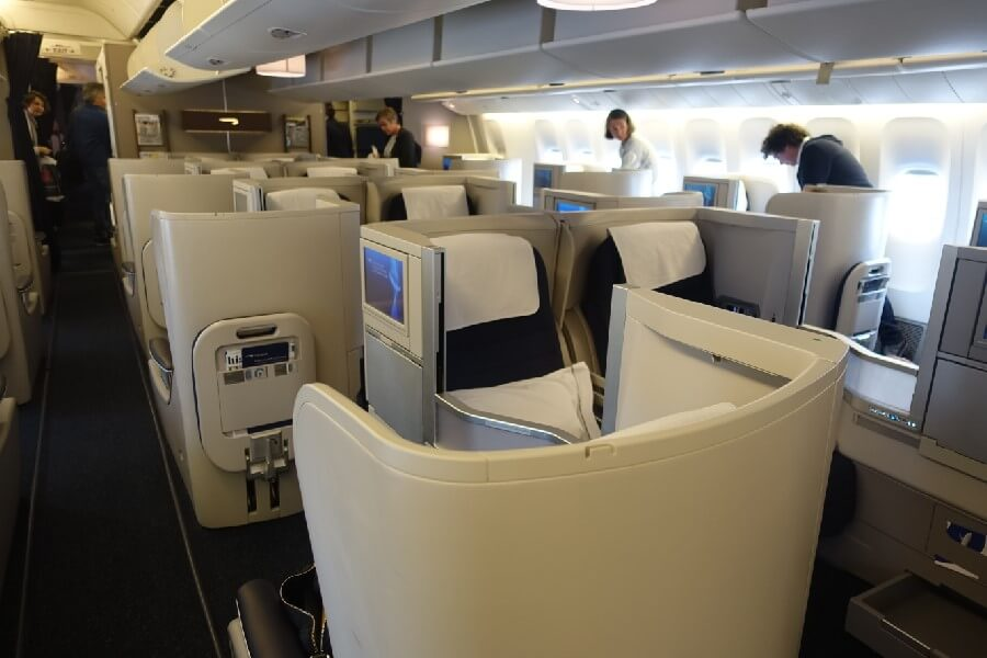 British Airways Business Class review British Airways Club world cabin layout
