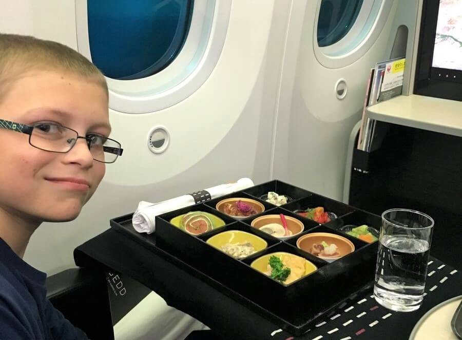 Around the world in 15 airline meals child's meal in Japan Airlines Business Class frugal first class travel