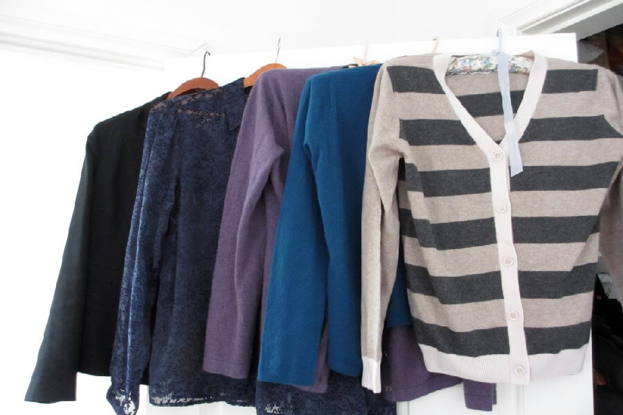 One bag travel: business and leisure packing list Cashmere sweaters for one bag travel