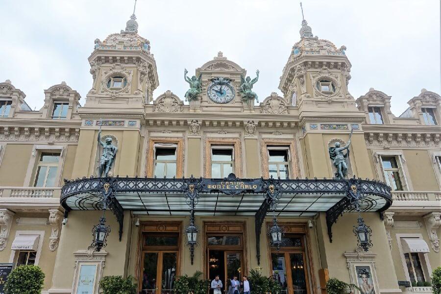 Entrance to the Monte-Carlo Casino in Monaco, day trip to Monaco, Monaco day trip itinerary