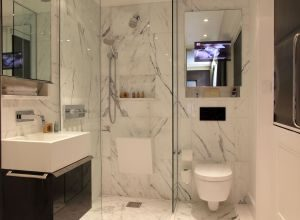 Marble bathroom at Ecclestone Square Hotel