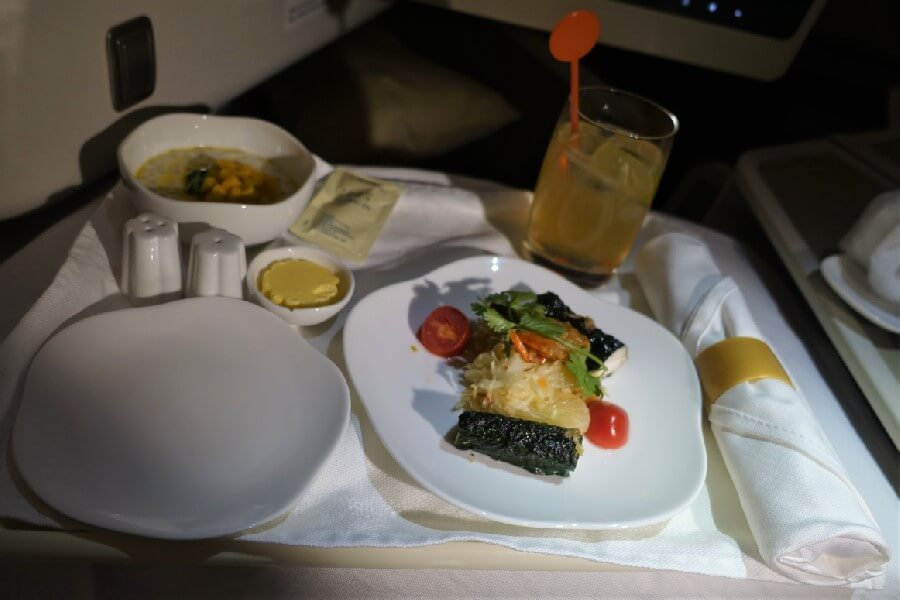 Meal on Vietnam Airlines Business Class