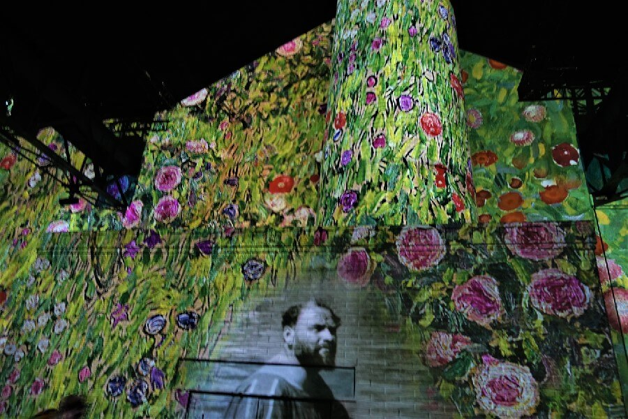 Current Paris exhibitions: the Klimt exhibition Paris Atelier de Lumieres Paris