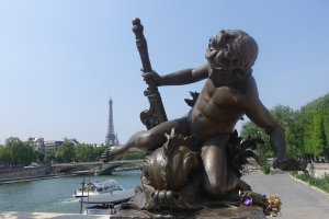Paris itineraries: one week in Paris for $1000 Pont Alexandre III and the Seine River