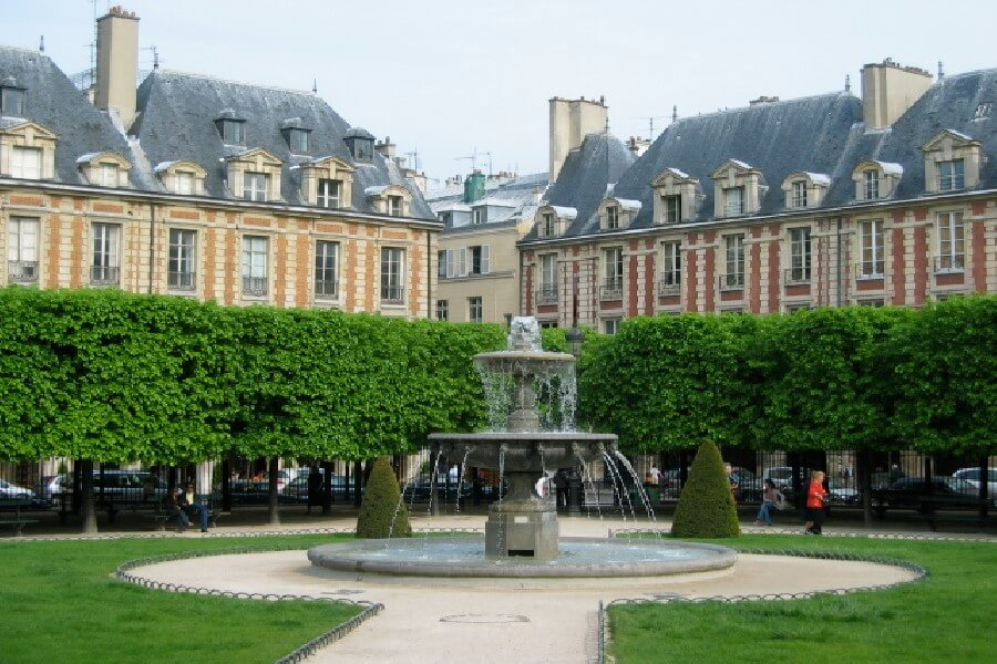 Fountain in Place de Vosges Paris