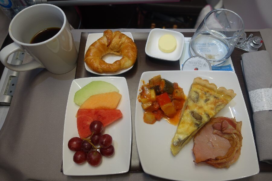 Hawaiian Airlines Business Class breakfast