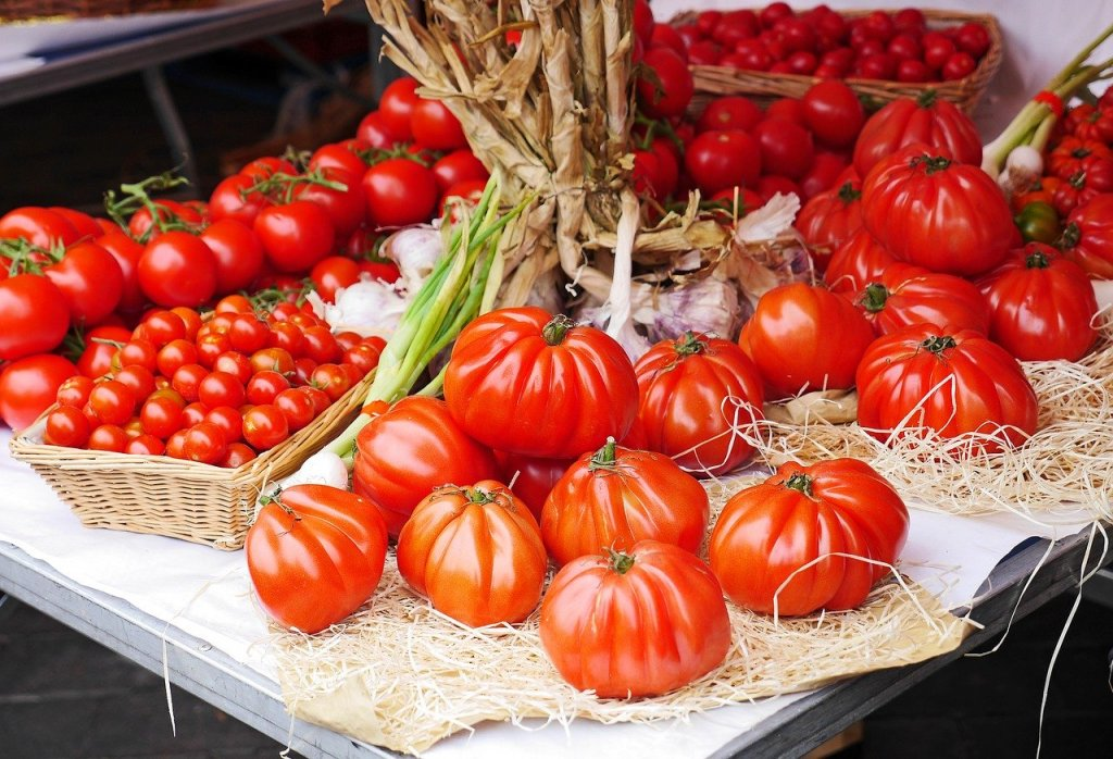tomatoes in a French market