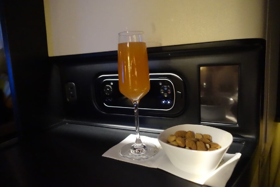 Pre dinner drinks Etihad Business Class