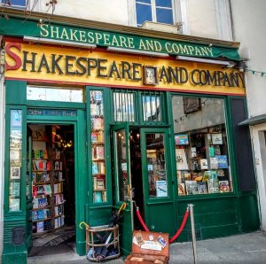 front facade of Shakespeare & Company book shop Paris